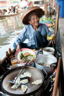 Floating market food vendor