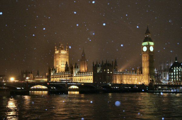 Houses of Parliament, London, in the snow
