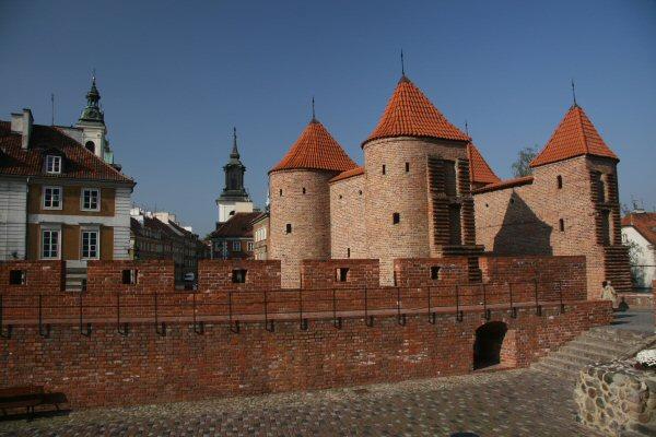 Barbakan Tower, Warsaw