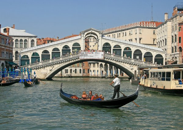 Venice, towards the Rialto Bridge