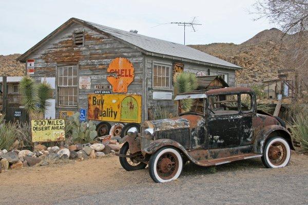 Route 66, near Kingman, Arizona, USA