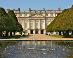 Hampton Court, London 5823