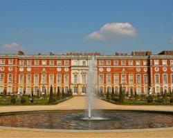 Hampton Court, London 5833