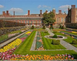 Hampton Court, London 5837