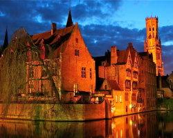 Bruges at night 8059