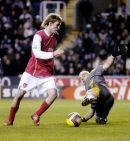 Arsenal v Reading. Alex Hleb scores for Arsenal.